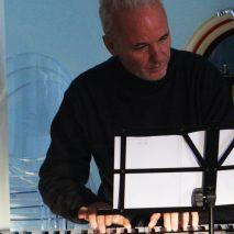 """Roberto Binetti compone """"Omaggio a Petros"""""""